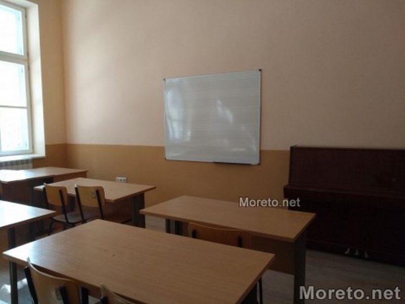 Във Варна работят по създаване на условия за полудневна организация на учебния ден преди обяд