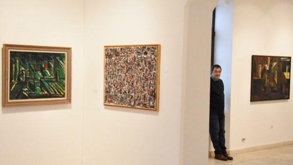 Творби, рисувани през последните 20 г. представя варненският художник Иван Минчев