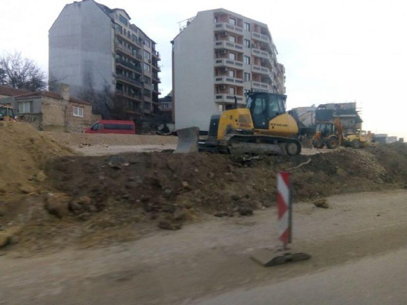 """Отварят бул. """"Цар Освободител"""" с новото кръгово кръстовище от 1 април"""