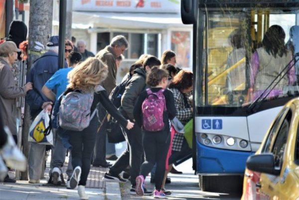 Портних: Автобусните карти за ученици и студенти ще поевтинеят
