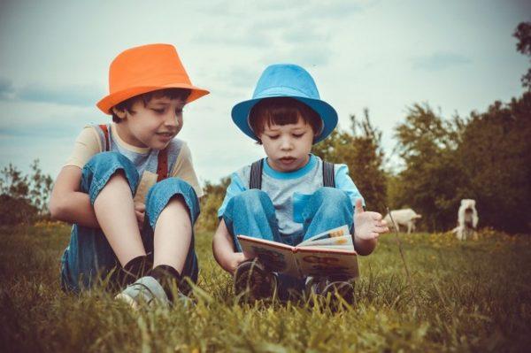Четенето на една и съща книжка прави децата по-добри ученици