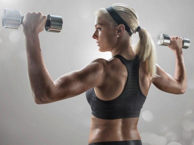 Какво се случва, когато жените вдигат тежести?