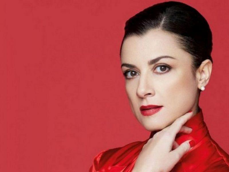 Александрина Пендачанска ще пее Тоска във Варна