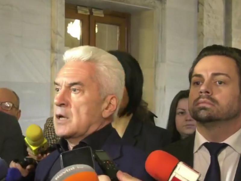 """Победителят от политическото състезание на """"АТАКА""""-""""Политическа академия-випуск 2019г.""""-водач на листата на партията"""