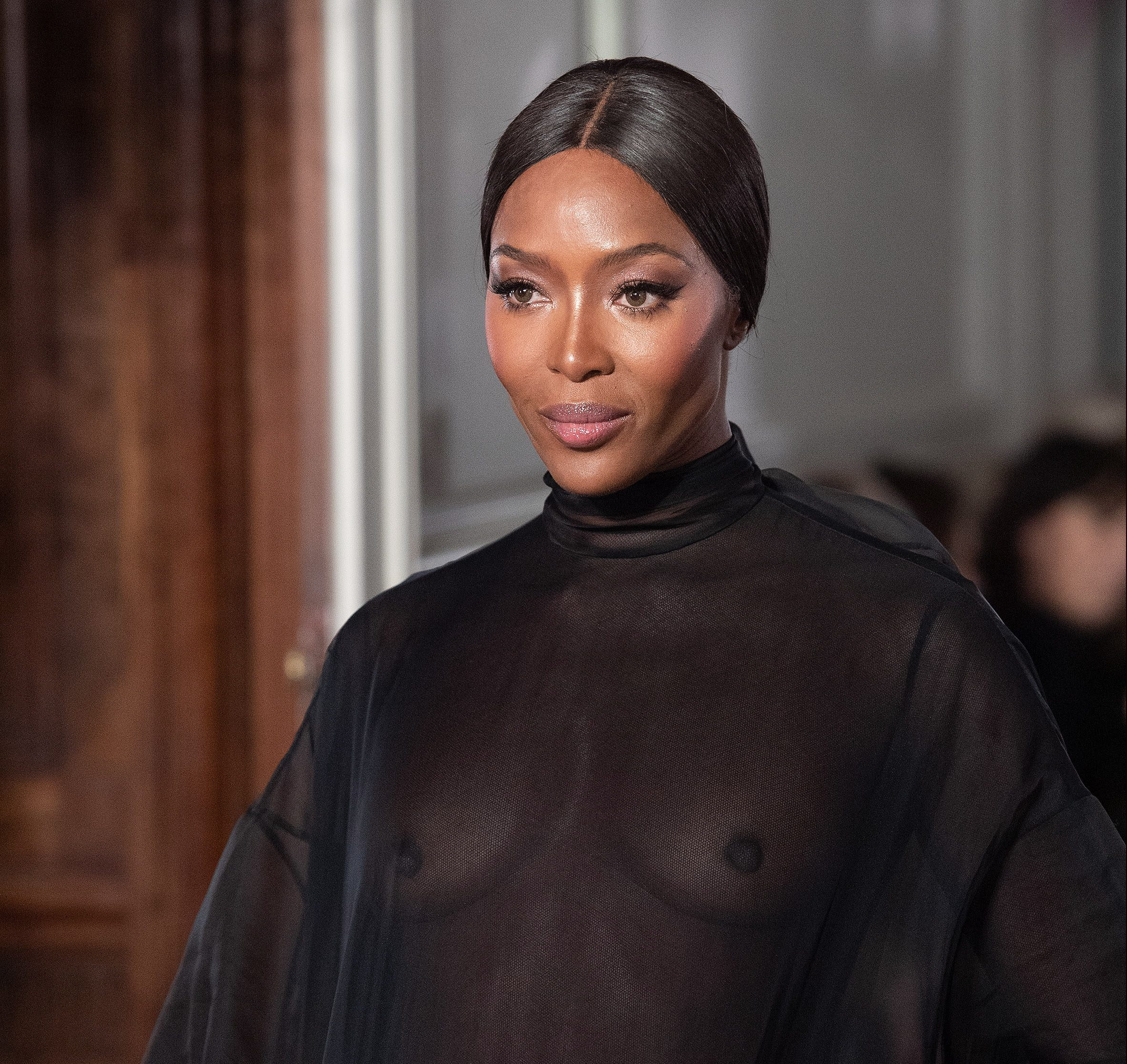 epa07313546 British model Naomi Campbell presents a creation from the Spring/Summer 2019 Haute Couture collection by Valentino fashion house during the Paris Fashion Week, in Paris, France, 23 January 2019. The presentation of the Haute Couture collections runs from 21 to 24 January 2019.  EPA/CAROLINE BLUMBERG