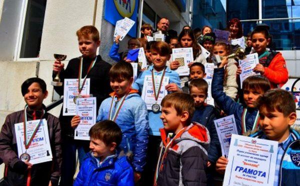 Завърши ученическият шахматен турнир във Варна
