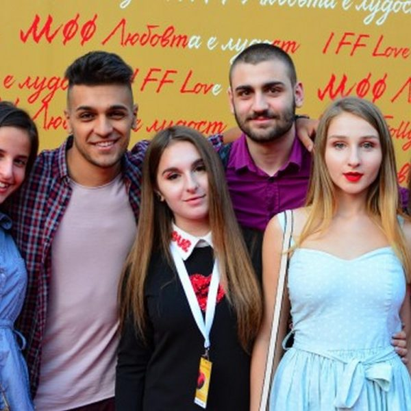 Община Варна обяви конкурс за есе на младежка тема