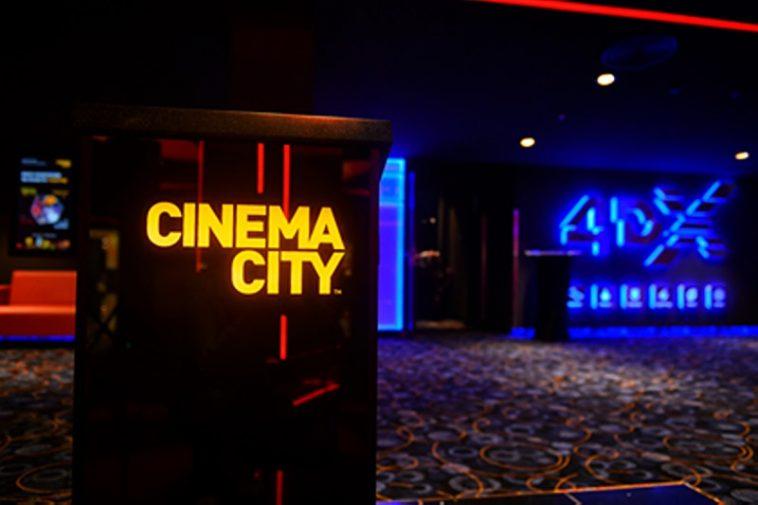 Влезте във филма: Варненци гледат кино в най-модерния салон в света (ВИДЕО)