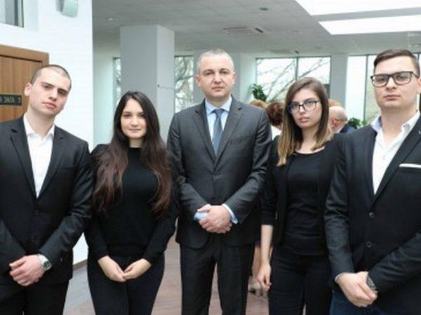 Кметът Иван Портних участва в среща за дигитализация на образованието