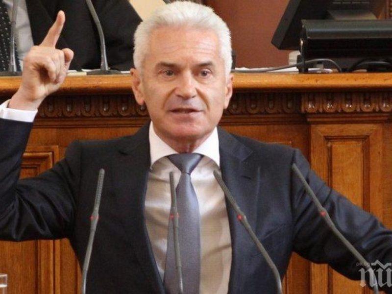 Сидеров в НС: България да каже ясно на Брюксел, че губим от санкции срещу Русия