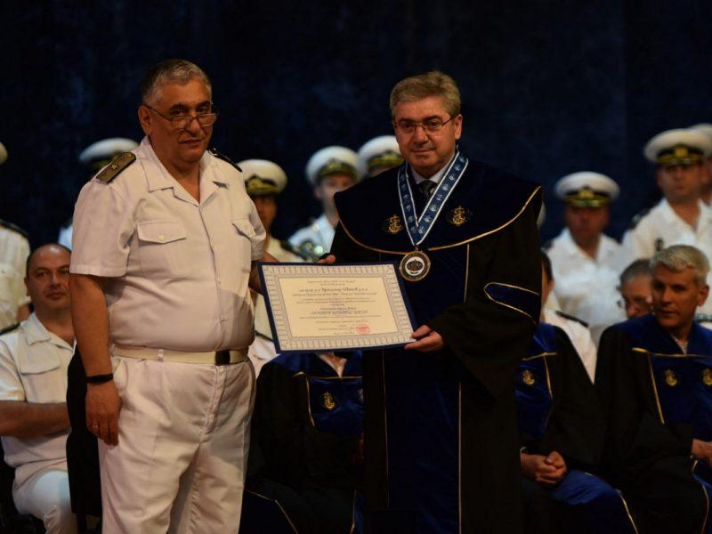 """Ректорът на Медицинския университет стана """"Доктор хонорис кауза"""" на ВВМУ"""