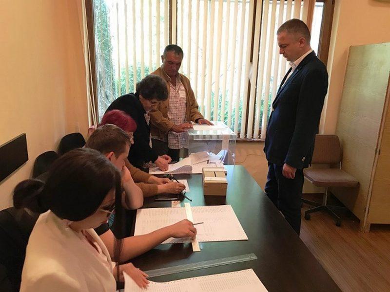 26,5% достигна избирателната активност във Варненско към 17:30 часа