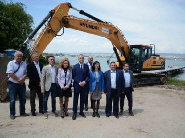 Започна изграждането на рибарско пристанище в Аспарухово