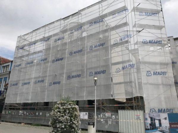 """Шопинг център, офиси и апартаменти заменят бившия хотел """"Империал"""" в сърцето на Варна"""