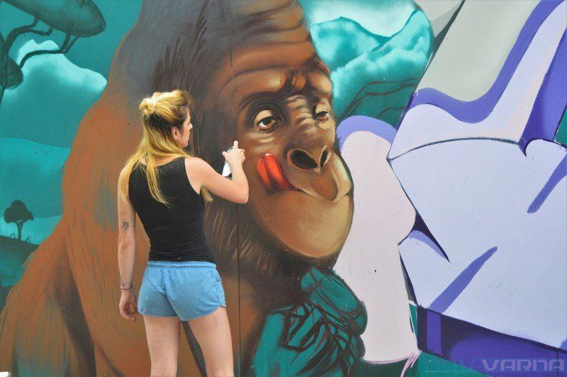 Фестивал събира улични артисти от няколко страни в центъра на Варна