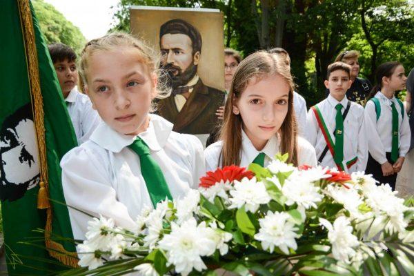 Варна почете 2 юни – Ден на Ботев