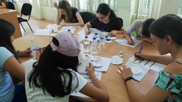 Варненски ученици се учиха да дешифрират тайни съобщения