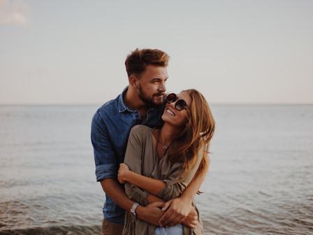 Защо мъжете обичат да се гушкат