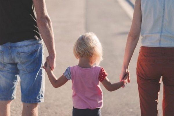 Родители от Варна на автопоход срещу Стратегията за детето