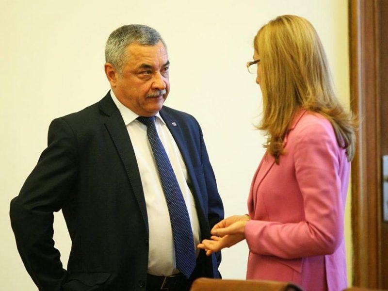Ангелкова и Валери Симеонов на алтернативни срещи с туристическия бранш във Варна