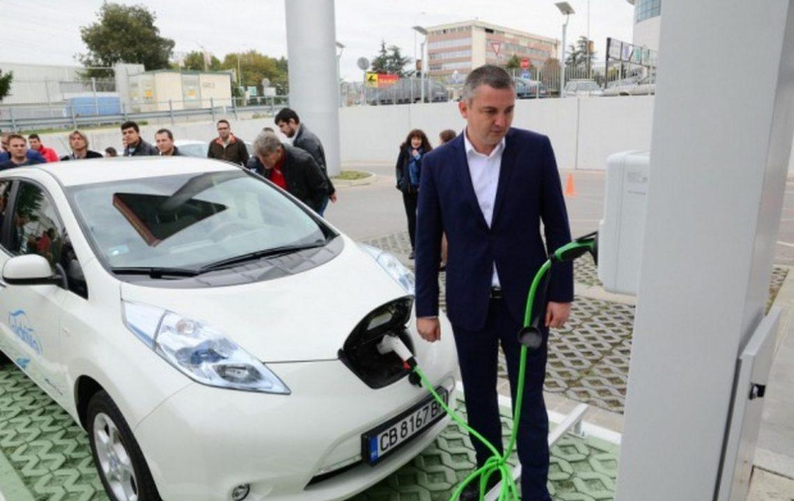 Търсят кой да изгради 31 зарядни станции за електромобили във Варна
