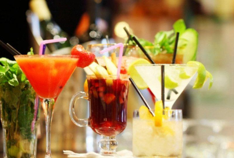 Лятото е тук: Да пием коктейли, без да вредим на талията