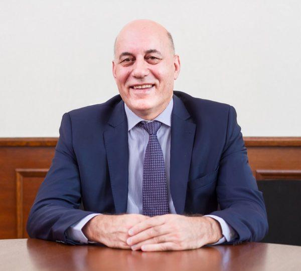 Проф. Пламен Илиев, кандиат-кмет на Варна, подкрепен от БСП. Кирил Добрев и Иван Иванов стоят зад кандидатурата