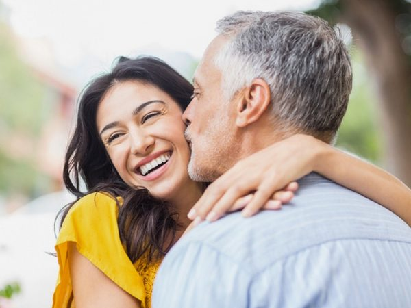 Наистина ли връзките между партньори с голяма разлика са щастливи?