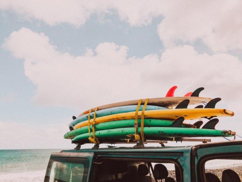 6 парчета, които ни настройват на лятна вълна