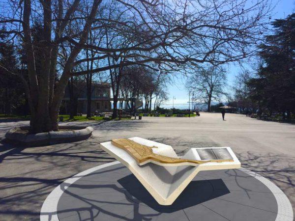 Монтират релефна карта със забележителности в Морската градина