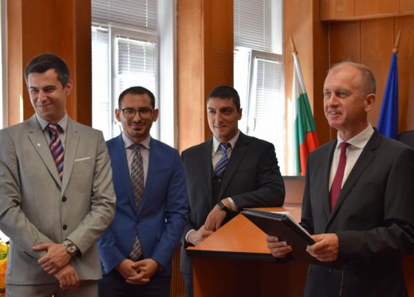 Трима младши съдии встъпиха в длъжност Окръжен съд – Варна