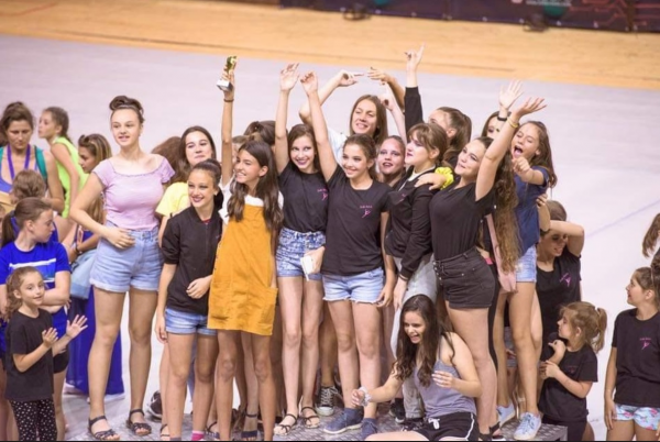 """Осем първи места за балет """"Мелади"""" на международен танцов конкурс във Варна"""