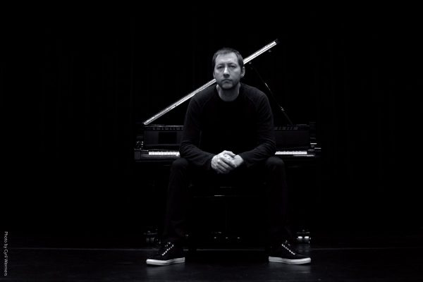 Премиера във Варна: Мода среща Джаз в новия спектакъл на Димитър Бодуров