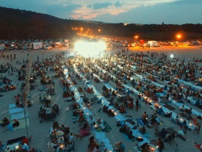 """""""Най-дългата вечеря на плажа"""" предстои отново във Варна"""