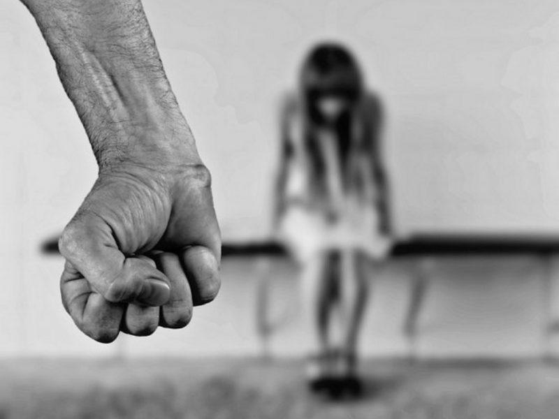Изверг преби зверски приятелката си във Варна