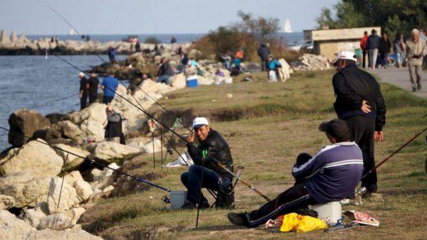 Рибарите от Варна се надяват на слука през есента