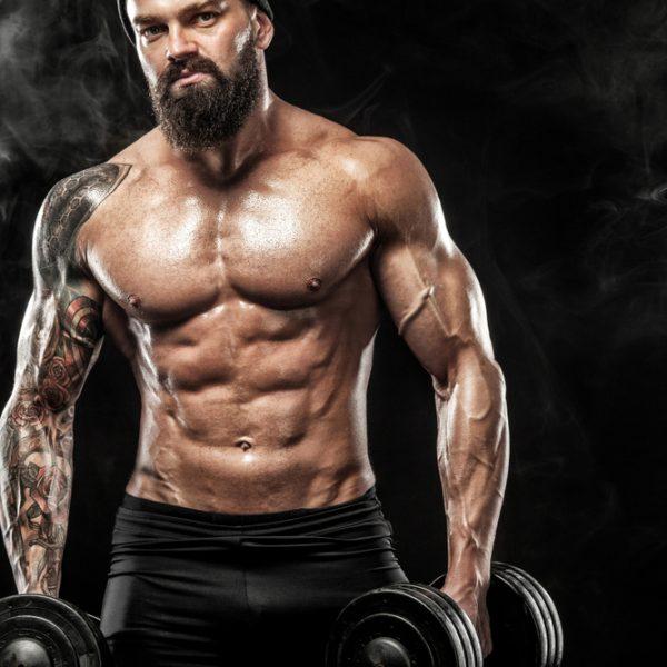 Голото тяло има силата да лекува, вярва Джулиан Хъф