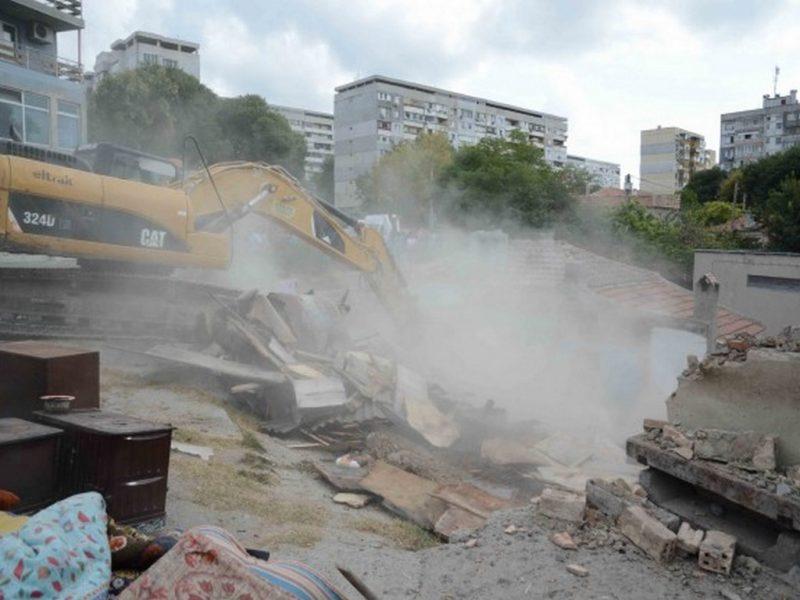 """Портних: Продължава събарянето на постройки в """"Максуда"""""""