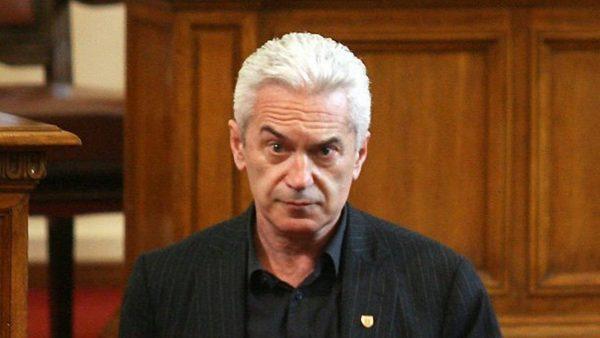 Волен Сидеров депозира оставката си в парламента
