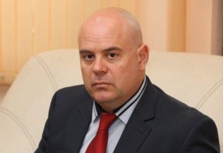 С какво плаши Иван Гешев протестиращите срещу номинацията му?