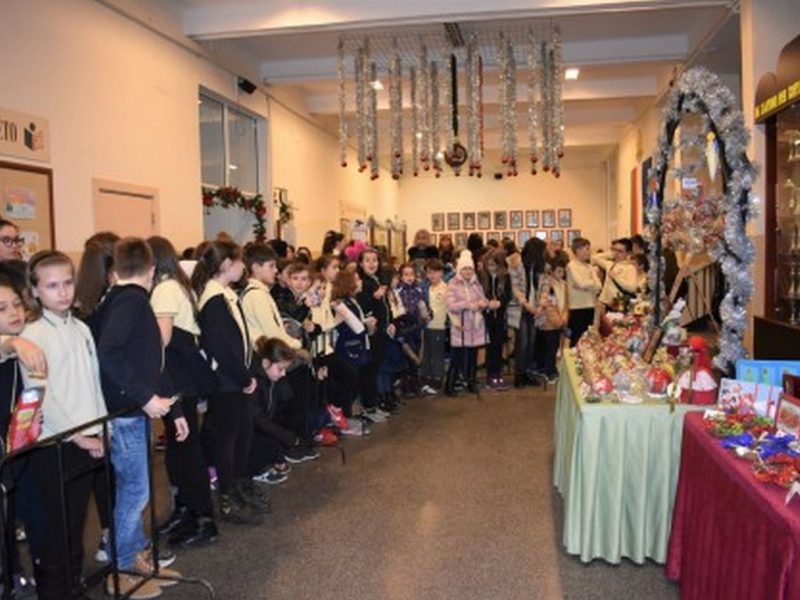 Варненски ученици организират Коледен базар за деца в неравностойно положение