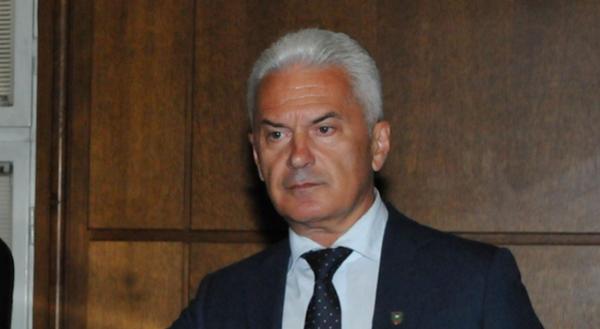 Сидеров към Борисов: Дори Каракачанов да подаде оставка заради корупция, правителството ще оцелее