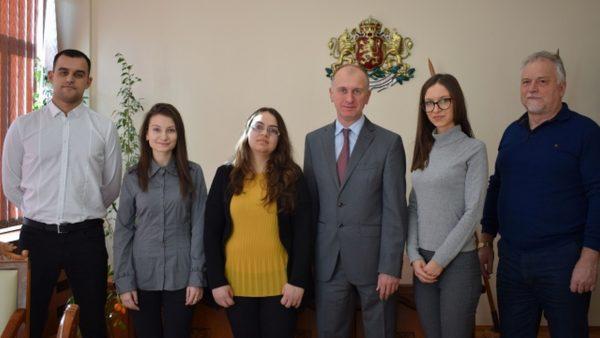 Четирима стажант– юристи прие Окръжен съд – Варна