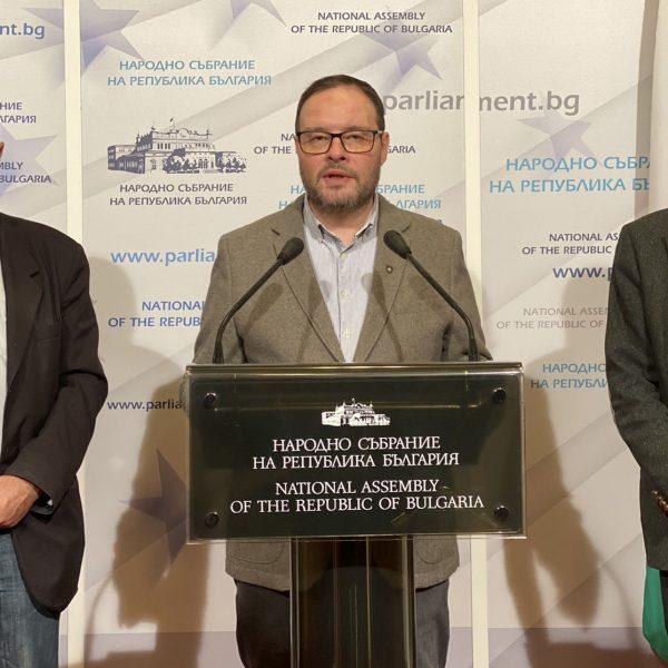 Иван Портних: Продължаваме да изграждаме паркинги в междублоковите пространства в целия град (снимки)