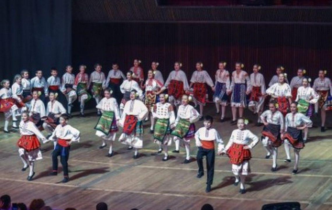 """Танцьорите от """"Моряците"""" събраха над 19 000 лв за деца с нарушено зрение във Варна (снимки)"""