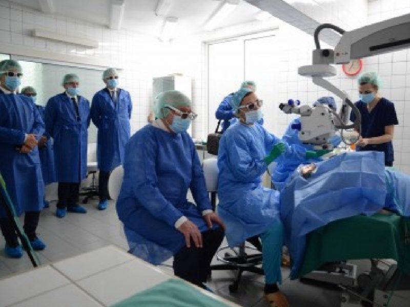 Очната болница – с 3D офталмологичен микроскоп
