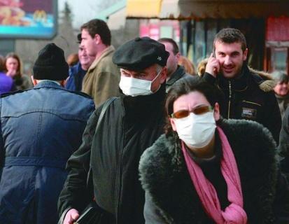 В пика на грипа: без ръкуване и на 2 метра от околните