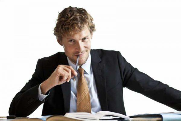 Как да се справим с всезнайкото в офиса