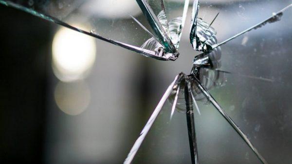Стреляли са по автомобила на адвокат от Варна