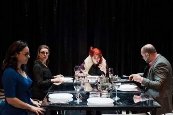 """ДТ """"Стоян Бъчваров"""" излъчва днес запис на постановката """"Телефонът на мъртвеца"""""""